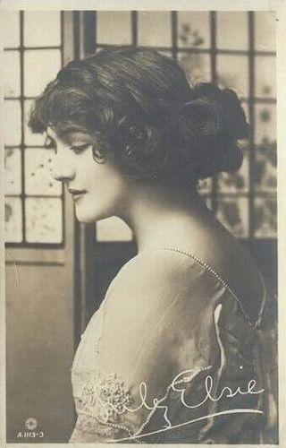 Very pretty vintage photo of Lily Elsie (1886-1962) - a popular English actress and singer during the Edwardian era, best known for her starring role in the hit London premiere of Franz Lehár's operetta The Merry Widow.