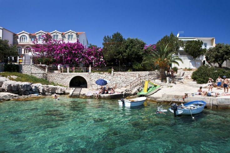 Hotel Penzion Avanturin, recenze hotelu, dovolená a zájezdy do tohoto hotelu - INVIA.CZ