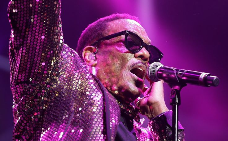 From JSO  Photo Gallery:  Charlie Wilson at the BMO Harris Bradley Center