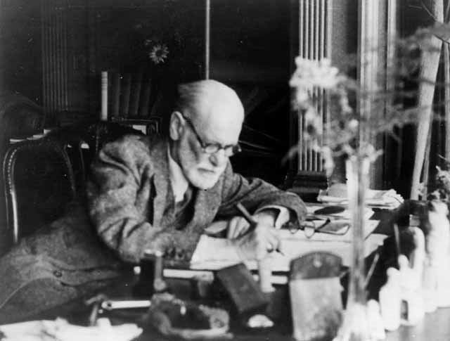 a biography of sigmund freud born in the small moravian town of freiberg Sigismund schlomo freud was born on 6 may 1856, to jewish galician parents in the moravian town of příbor (german: freiberg), then part of the austrian empire (1804–1867), now the czech republic[2].
