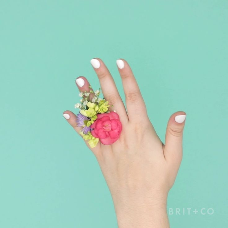 Learn how to make a corsage ring for prom or other formal events by following this flower style accessory video DIY tutorial.