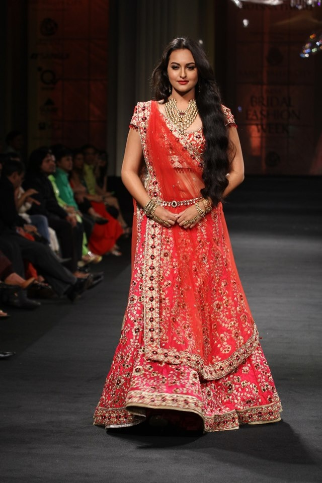 Browse Through Jyotsna Tiwari Indian Wedding Dresses And Lehenga Collection At MyShaadi Find The Perfect Dress By