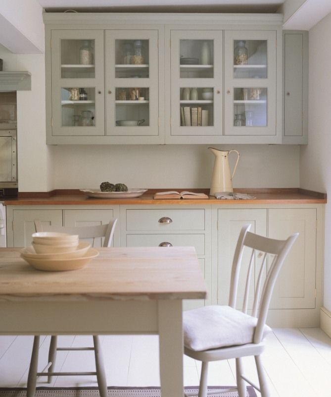 Plain English kitchen with units painted in Farrow and Ball French Gray paint. Full details on Modern Country Style blog: Colour Study: Farrow and Ball French Gray in interiors