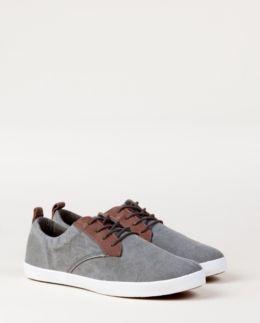 Modèle GORDON CVS. Chaussure basse en toile à lacets. La tendance de cette été vu par PLDM BY PALLADIUM ! €69
