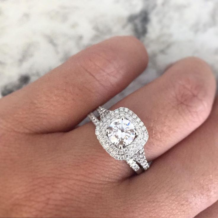 How to make your engagement ring look 5 times more expensive