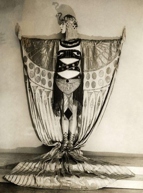 Nude arabic artist Nude Photos 53