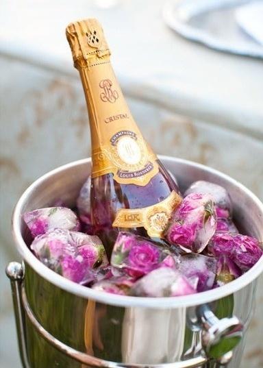a pretty way to chill champagne