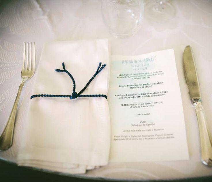 Menù dipinti a mano. Effetto #acquerello assicurato.  #Event_ualmente #weddingplanner #fattoamano #fattocolcuore #menù #miseenplace #allestimento #matrimonio #Lecco