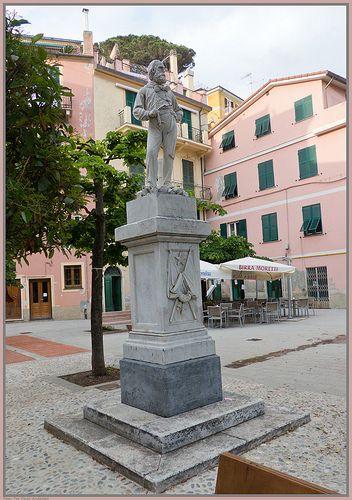 Statue of Giuseppe Garibaldi in Monterosso al Mare