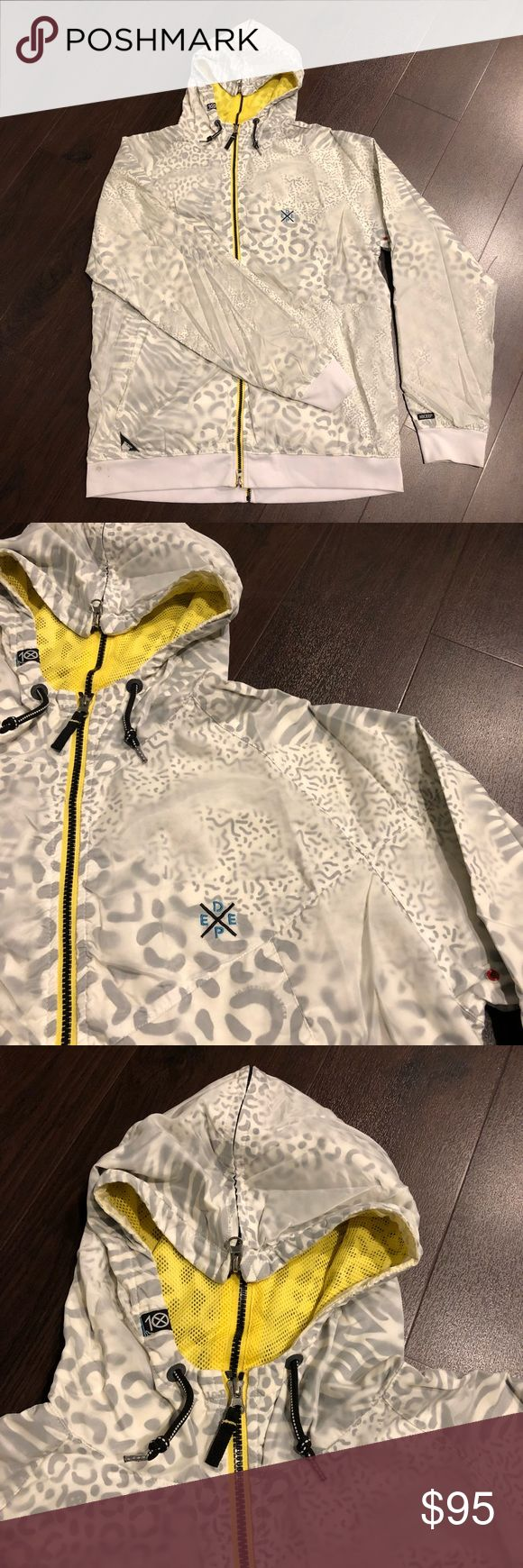 Men's 10 Deep Animal Print Zip Up Jacket, 10 Deep Men's XXL Jacket from 10 Deep. Zips down the front and down the back. Small stain on bottom right as shown in picture. Will probably come out in the wash just haven't tried. Animal print with yellow detailing. 10 Deep Jackets & Coats