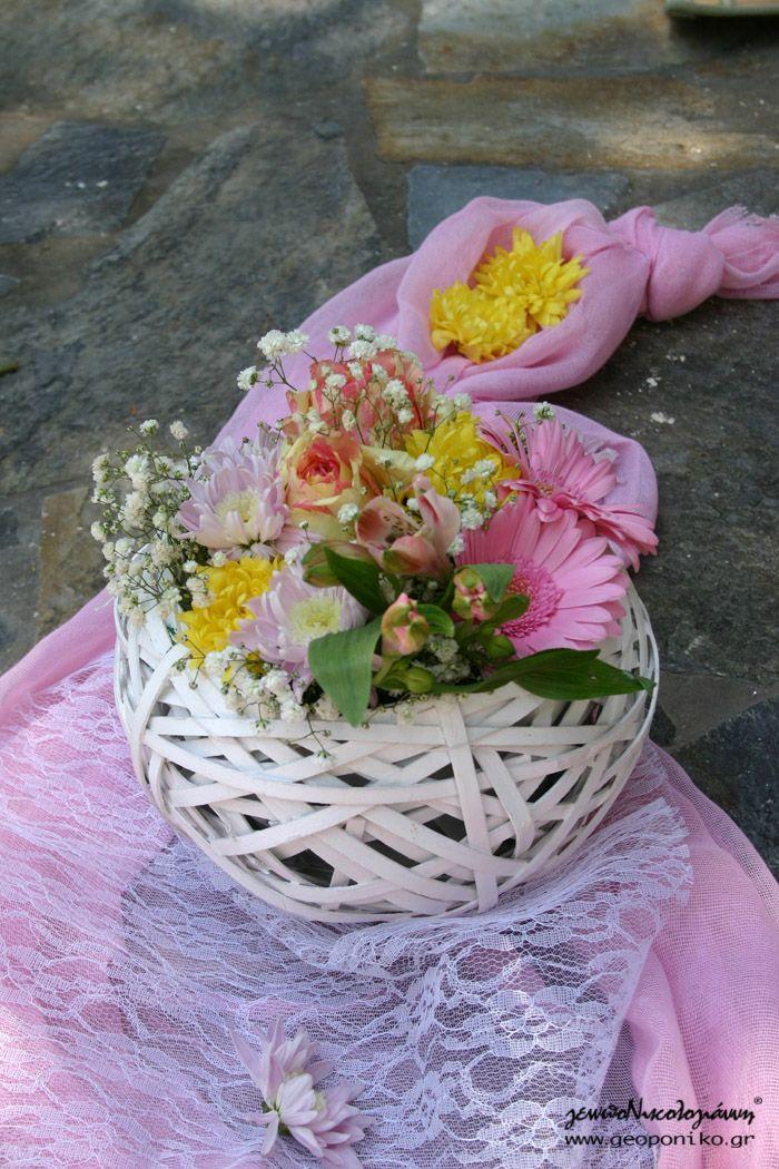 καλαθάκια με λουλούδια