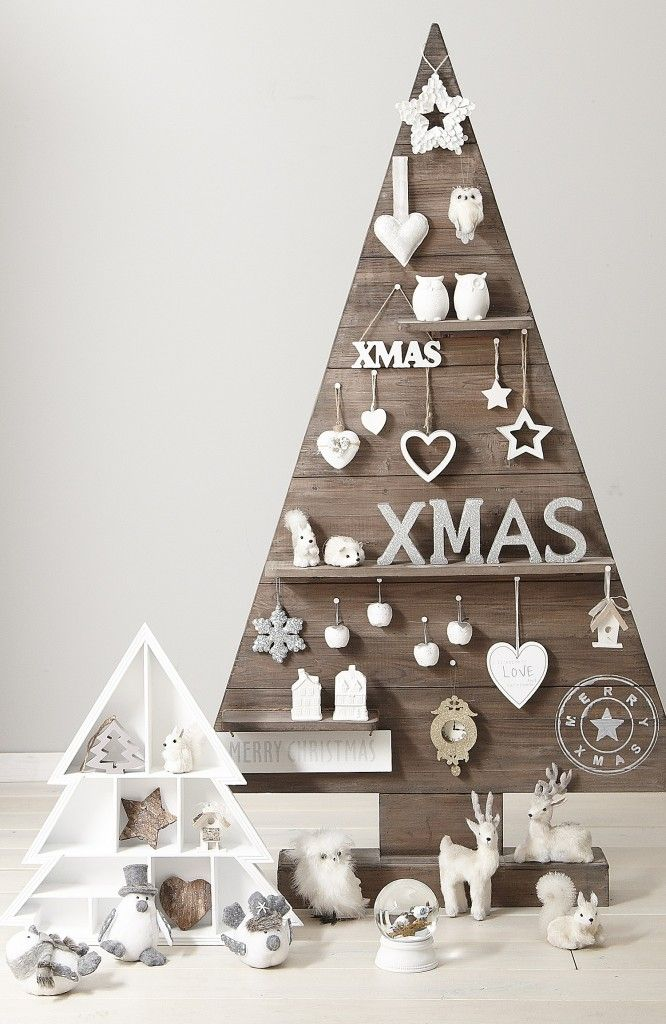 Xenos kerstcollectie 2013   Wooden christmas tree with white christmas decoration