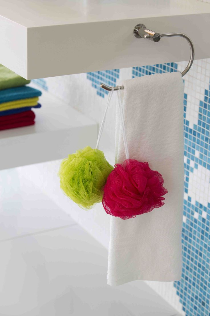 Bath scrunchies in #bright colours are great for a family #bathroom and create a playful atmosphere