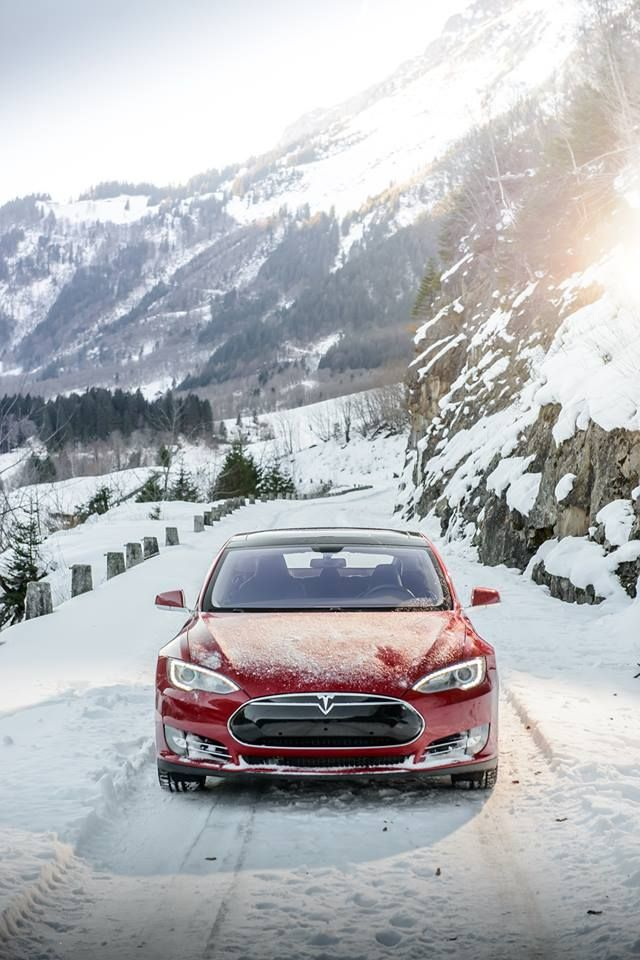 Tesla Motors: We took Model S to snowy Switzerland for a stunning drive. Send us your pictures of Model S in the snow so we can feature them! Thank you tesla-fan and all you wonderful fans of Elon Musk and Tesla like me for your beautiful comments...