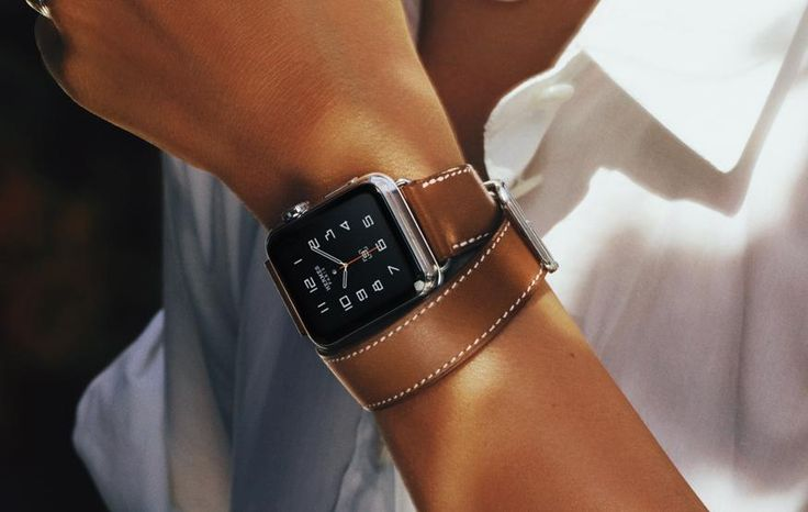 Apple Watch with Hermès leather straps