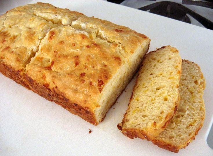 Ψωμί+με+τυρί+τσένταρ+πανεύκολο,+έτοιμο+σε+15′+για+το+φούρνο