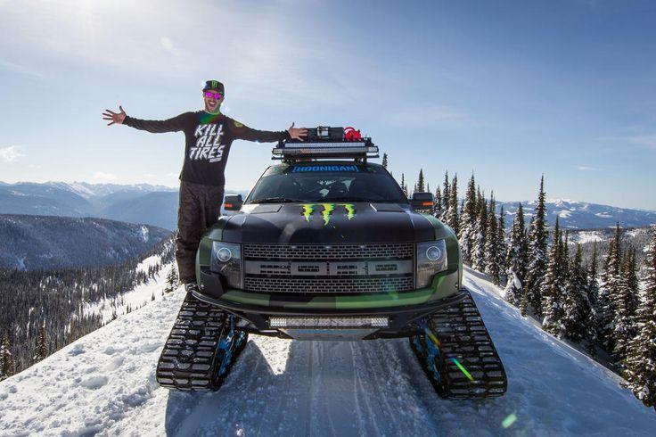 Серия Gymkhana Кена Блока, ролики которой неизменно собирают невероятное количество просмотров на Youtube, пополнилась новым видео. Это дрифтовый видеоролик бизнесмена, шоумена и автогонщика на новом герое: экстремальном пикапе Ford F-150 SVT Raptor на гусеницах от Mattracks.