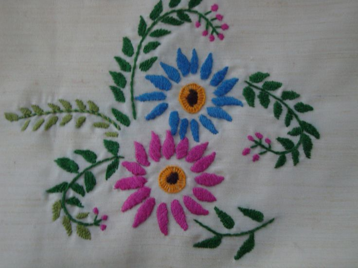 Embroidery on pillow cover. & 46 best Embroidery work done by me. images on Pinterest ... pillowsntoast.com
