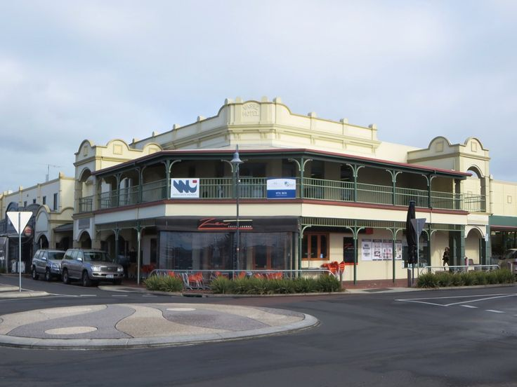 The facade of the Vasse Hotel (1906) in Busselton, Western Australia, is an example of the Federation Filigree style.