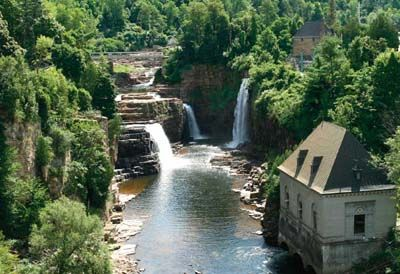 Adirondack Park | Adirondack Park boasts 2,000 miles of hiking trails and nearly 100 ...