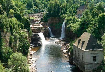 Adirondack Park   Adirondack Park boasts 2,000 miles of hiking trails and nearly 100 ...