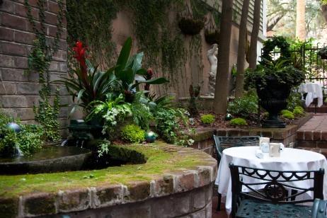 Jardín exterior de un hogar