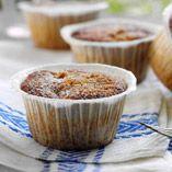 Rabarbermuffins - Recept http://www.dansukker.se/se/recept/rabarbermuffins.aspx Piffa upp muffinsen med rabarber. #muffin #rabarber