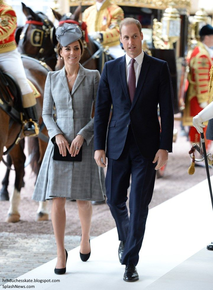 duchesskate:  Singapore State Visit to Great Britain, October 21, 2014-The Duke and Duchess of Cambridge arrive to greet the President and First Lady of Singapore