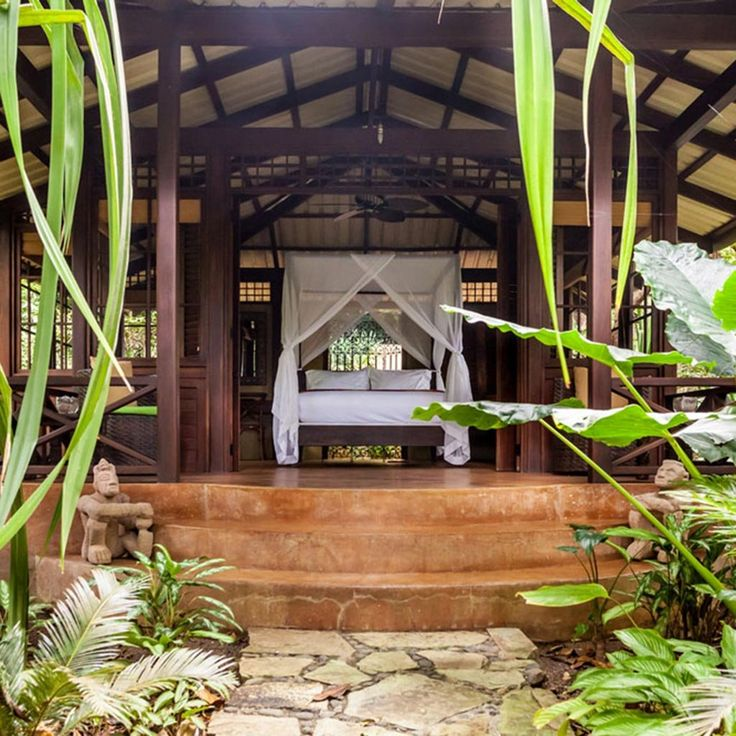 Top 5 Luxury Beach Resorts in Costa Rica | With vast expanses of pristine coastline, it's no wonder that Costa Rica is home to some of the world's finest seaside resorts. But actually, there are few...