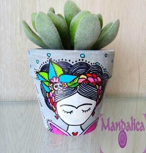 Frida frida kahlo maceta pintada a mano macetero cactus suculenta suculents mandalica creaciones chile