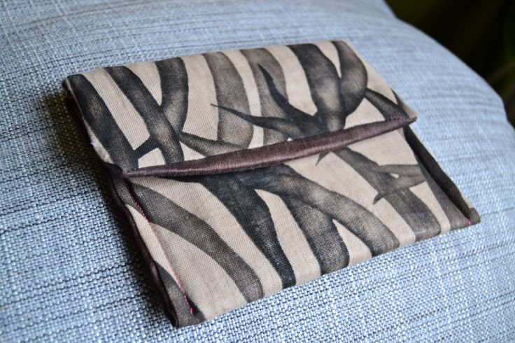 handmade briefcase (outside: bicolor floral fabric, inside: brown linen)