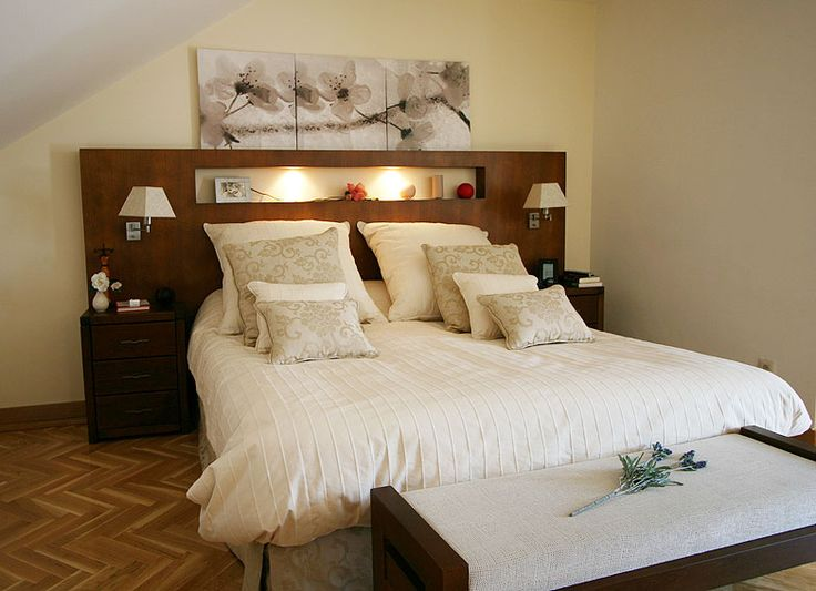 Dormitorio panel de madera alza pinterest regalos y - Empanelados de madera ...