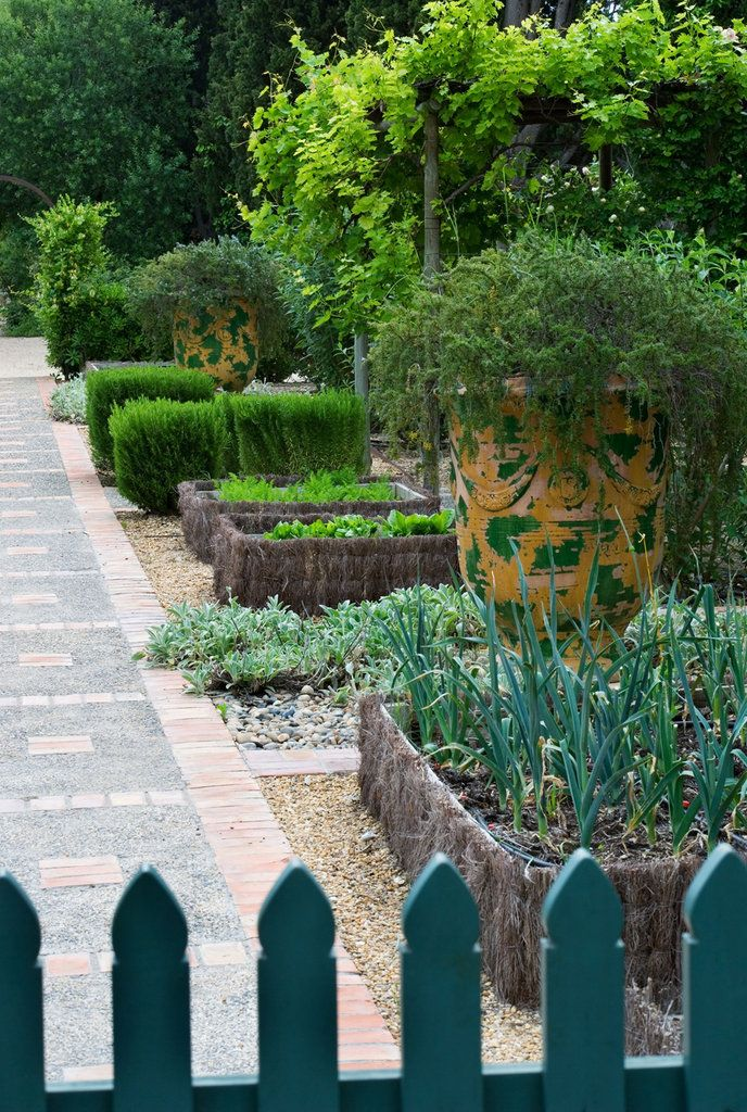 1000 images about beautiful vegetable gardens on for Jardin potager