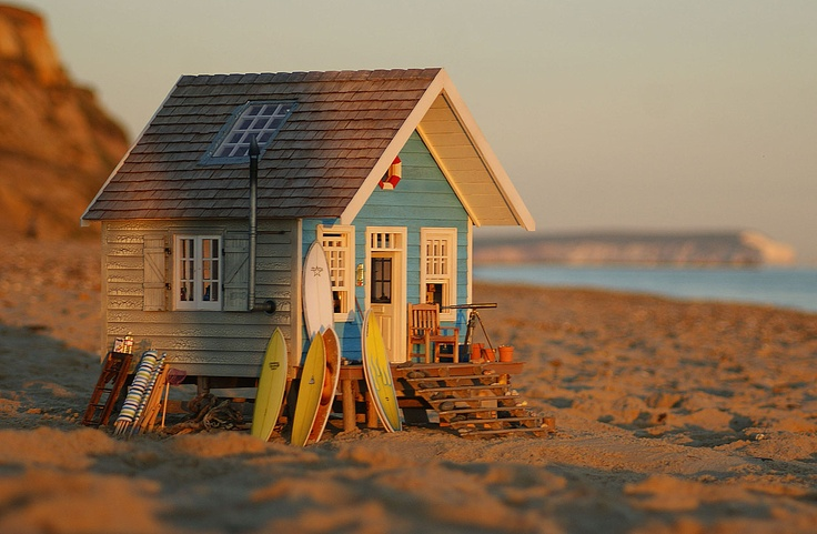 26 best images about small beach hut on pinterest for Small hut plans