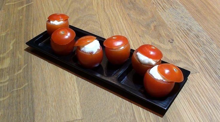 Tomates cerises farcies à la mousse de saumon