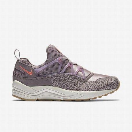 on sale 6438d fbeca Nike Women s Plum Fog Bleached Lilac Purple Smoke Bright Mango Air Huarache  Light Shoe   sport shoes nikesportscheap4sale   Pinterest   Shoes, Nike and  Nike ...