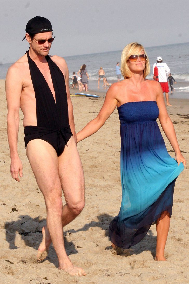 Pin for Later: Throwback Photos of Celebrity Couples on the Beach That Will Really Take You Back Jim Carrey and Jenny McCarthy