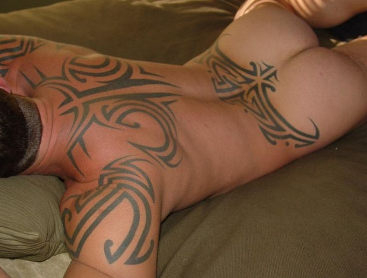 prostitutas dibujo condenado a  años por marcar a prostitutas con un tatuaje como ganado