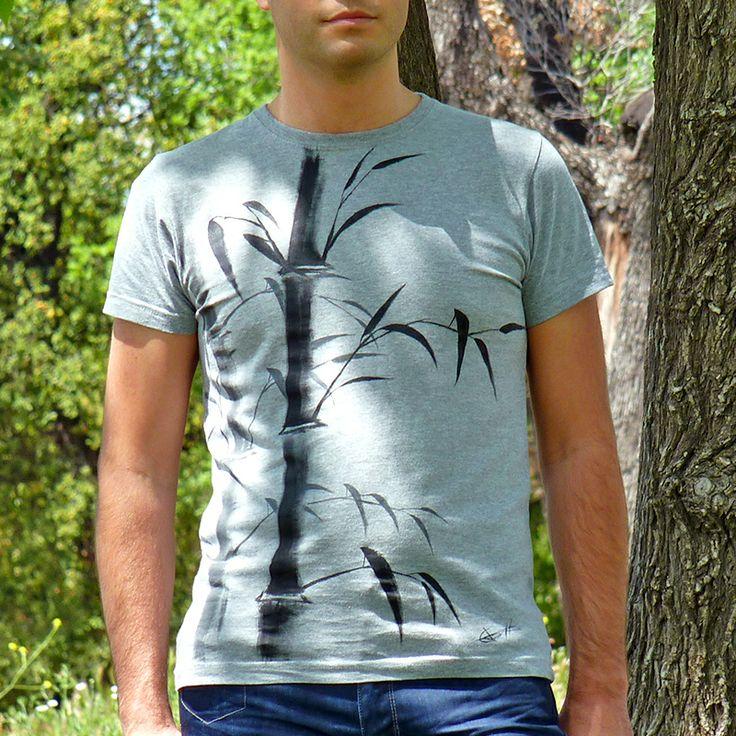 Zenmiseta bambú, camiseta unida al arte zen del sumi-e. Pintada 100% a mano, lo que hace cada camiseta diferente y única. http://www.artaliquam.com/20-zenmisetas #camisetas #tshirts