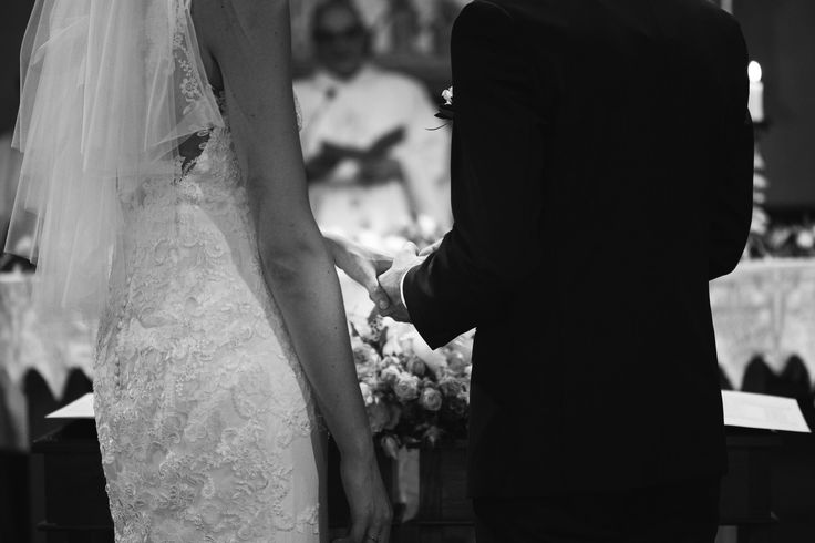 wedding photographer fiesole tuscany photo bride groom rings cer