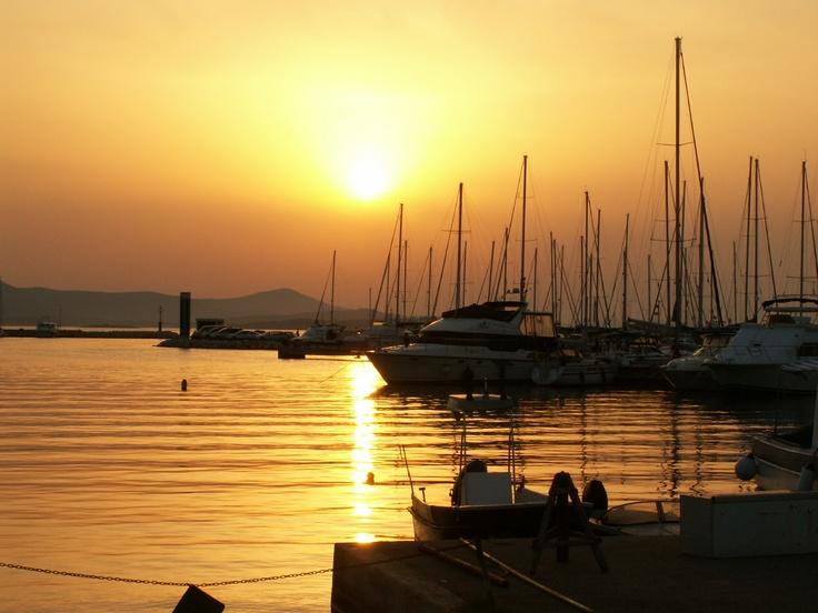 západ slunce v Chorvatském přístavu