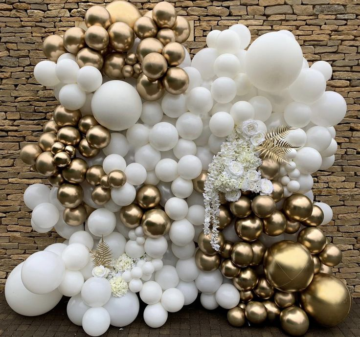 We Loved Creating This Balloon Wall! #wedding #balloonwall #balloondecor #weddingdecor #homedecor #ballooninstallation #partydecor #balloon #partydecorations #partyideas
