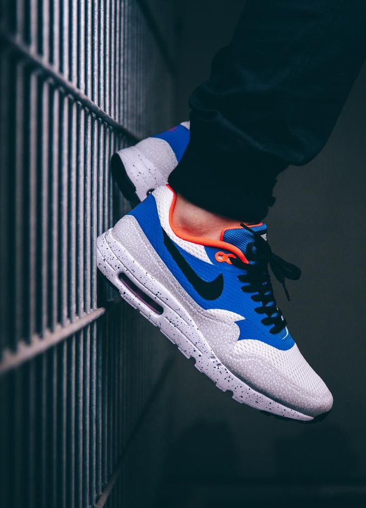 on sale 411f6 d3252 142 best Sneakers images on Pinterest   Shoes, Slippers and Nike free shoes
