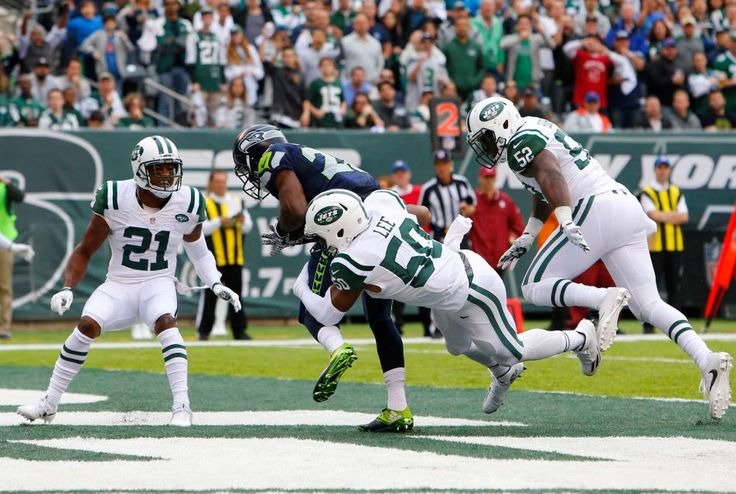 C.J. Spiller of the Seattle Seahawks hauls in a touchdown reception in the first half against Darron Lee of the New York Jets at MetLife Stadium on Sunday, Oct. 2, 2016 in East Rutherford, N.J.