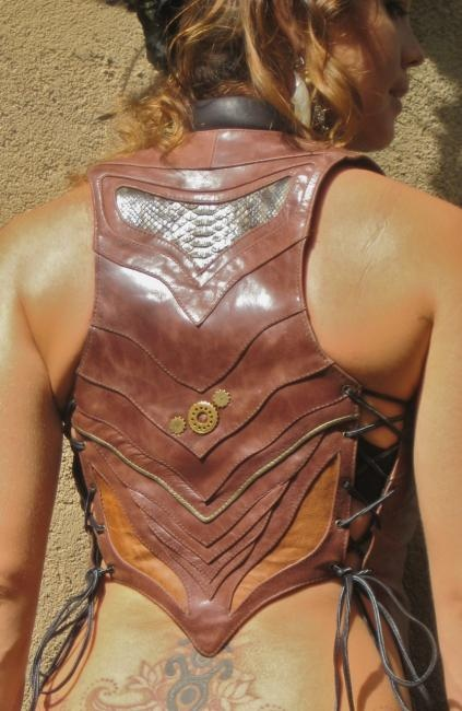 I own fabulous clothing by this leatherworker Zoltan. Very high quality work!!