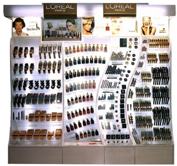 L'Oréal, Cosmetic Display Creating a modular cosmetic unit and pushing the design to the limit without losing track of functionality? Check out the curvaceous forms of this one. It was implemented in L'Oréal stores all over Europe, from Spain to the UK.