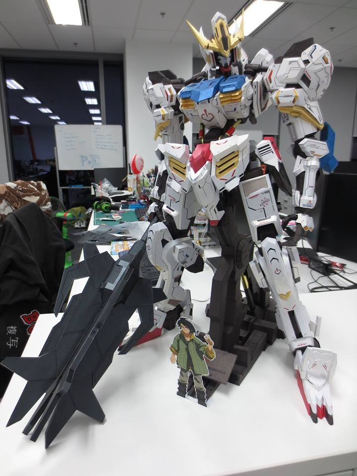 gundam wing essay Mobile suit gundam anime info and recommendations  consider this a small essay on all of the universal century seasons,  mobile suit gundam wing:.