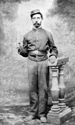 Sofanor Soto, grado desconocido, de la Brigada de Artillería Cívica N° 1.