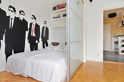 """IKEA hackers - il famosissimo sito dei """"manipolatori"""" dei prodotti Ikea - qui una parete scorrevole creata con le ante di un armadio!"""