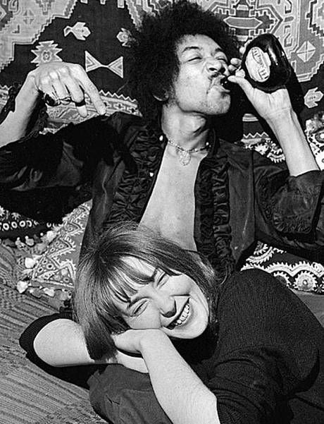 Jimi Hendrix with girlfriend (and muse) Kathy Etchingham.